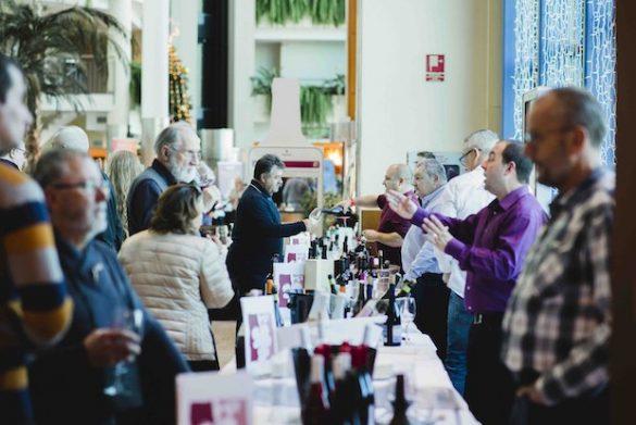Gran ambiente y vinos de alta calidad en la V Feria del Vino Peñíscola Plaza